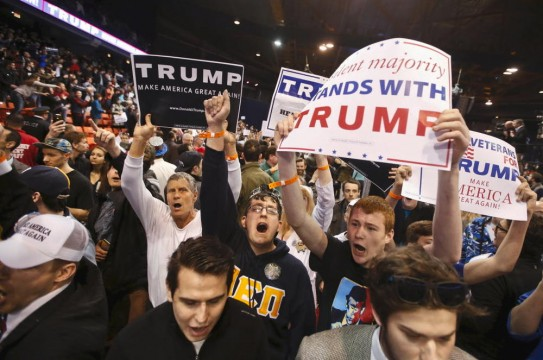 trump-campaign-violence-crowd